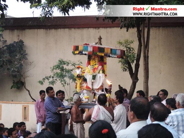 Pradhosha Urchavam 9