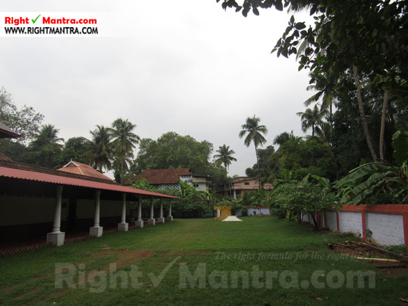Kalady Krishnan Koil 14