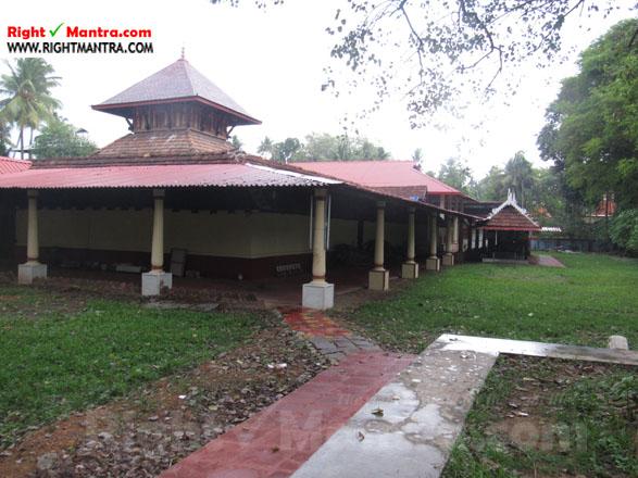 Kalady Krishnan Koil 16