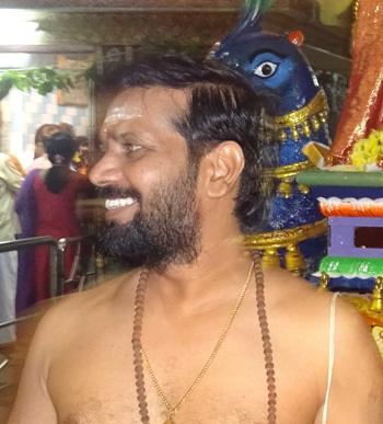 Porur Balamurugan temple gurukkal