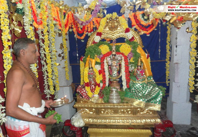 Rightmantra New Year temple visit 8