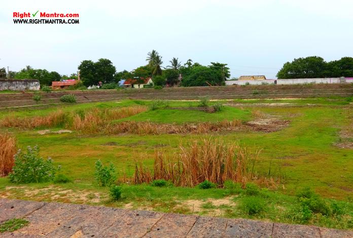 Siva temple tank
